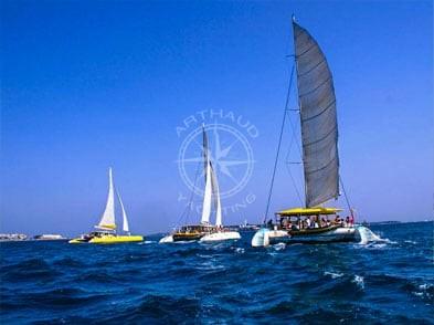 Maxi-Catamaran Charter