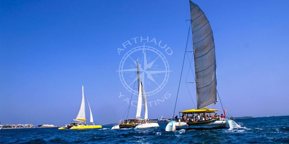 Location de maxi-catamaranà Monaco, Nice, Cannes et St-Tropez