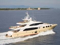Yacht charter - MAJESTY 125