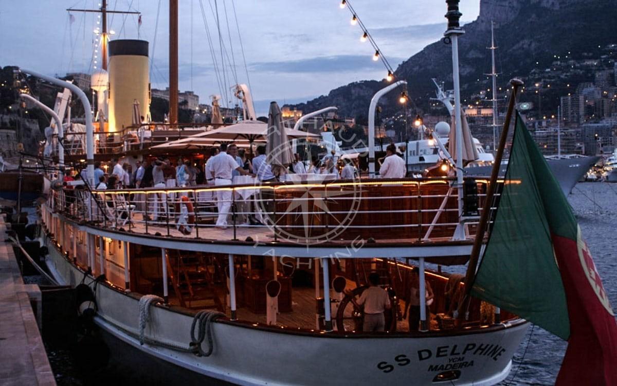 Rent a yacht Monaco Grand Prix