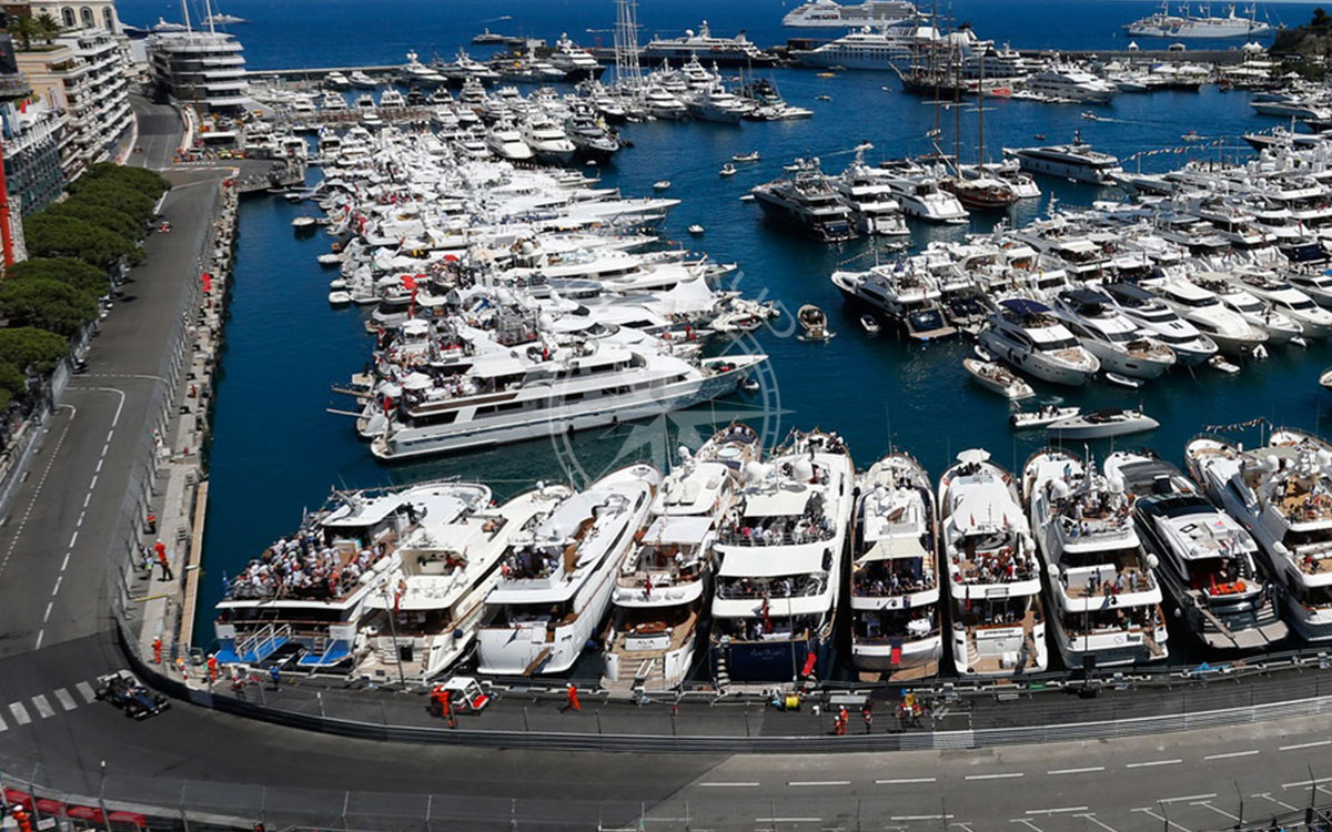 Monaco Grand Prix yacht rental | Arthaud Yachting | Rent a