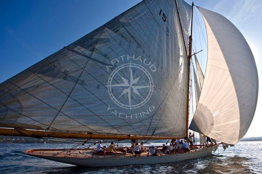 Suivie catamaran voiliers Classiques - Arthaud Yachting