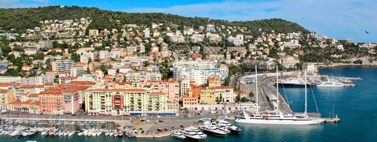Rent a yacht in Nice