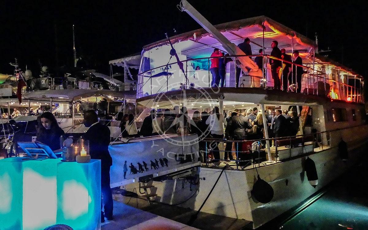 Rent a yacht Cannes MIPTV
