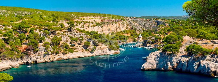 Yacht rental in south of France