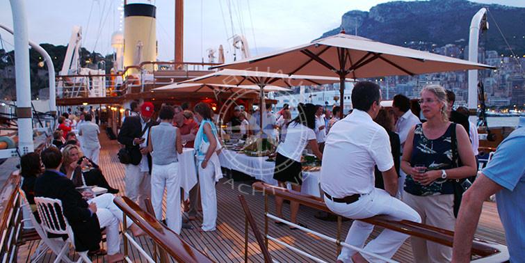 Location yacht pour soirée & anniversaire