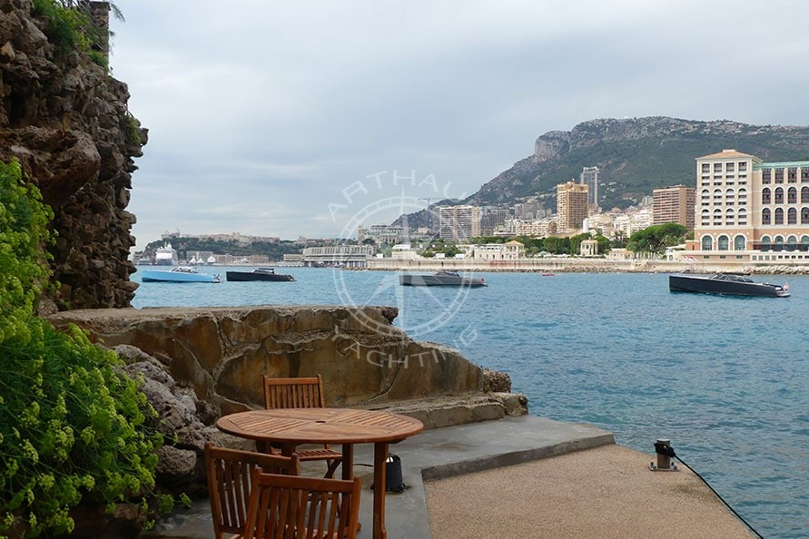 Lancôme rented speed boats in Monaco