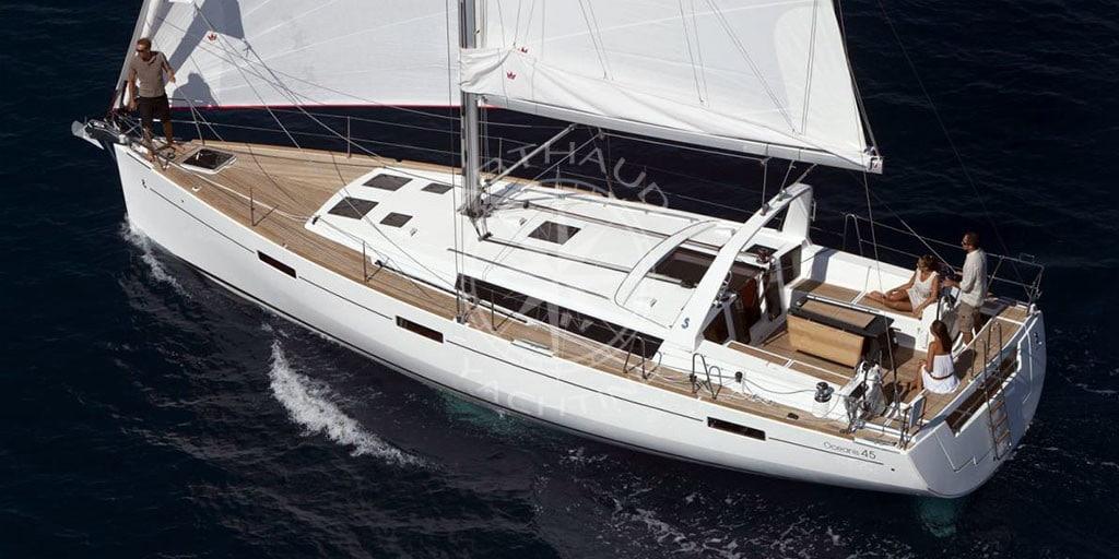 Sailboat rental in Antibes
