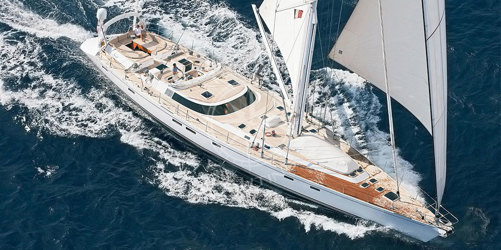 Rent a sailboat in Saint Tropez